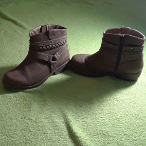 Other - Girls brown booties
